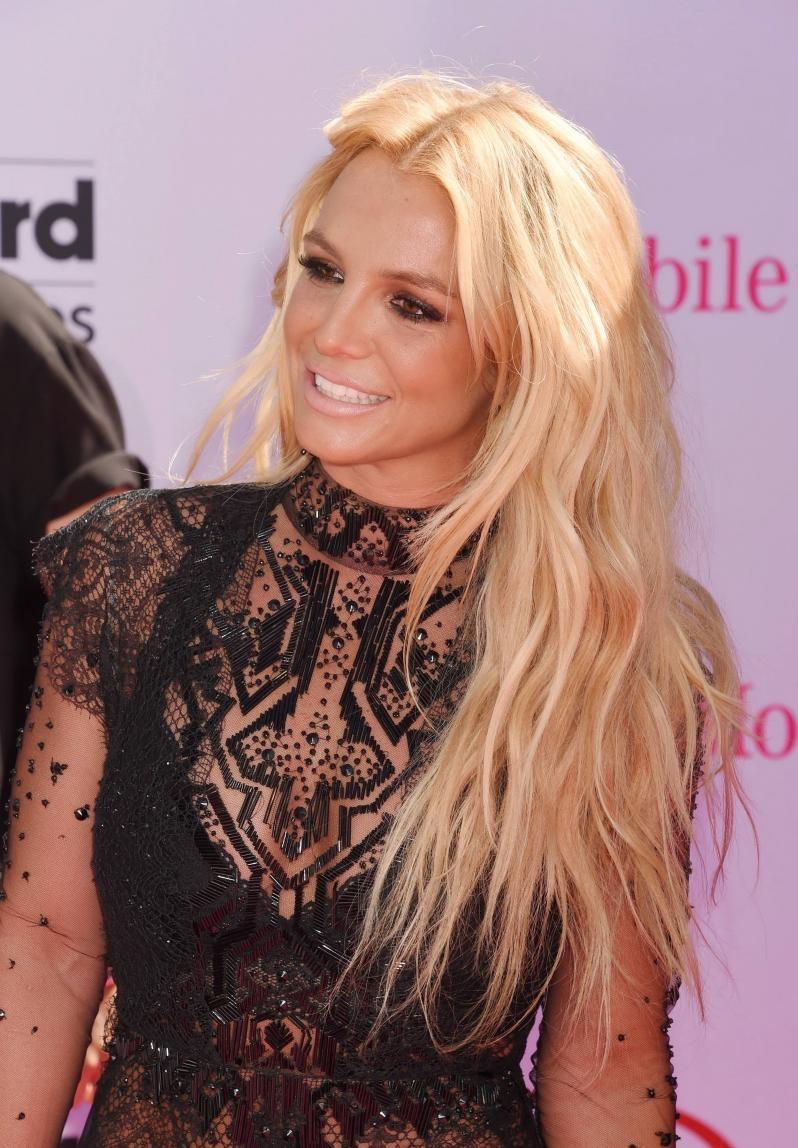 Бритни Спирс выпустила новый хит Make Me бритни спирс песни
