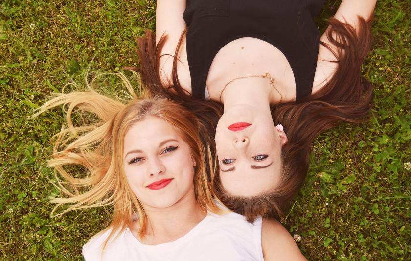 Как пережить расставание с лучшей подругой