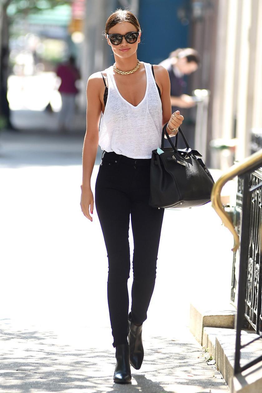 Черные джинсы - это стильно!