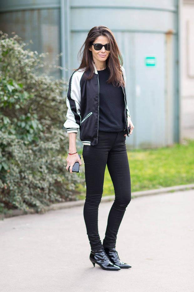 Девушки в чорних джинсах